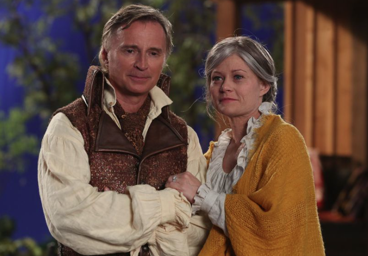 Robert Carlyle as Rumplestiltskin & Emilie de Ravin as Belle Once upon a Time Season 7 Episode 4 Beauty picture image