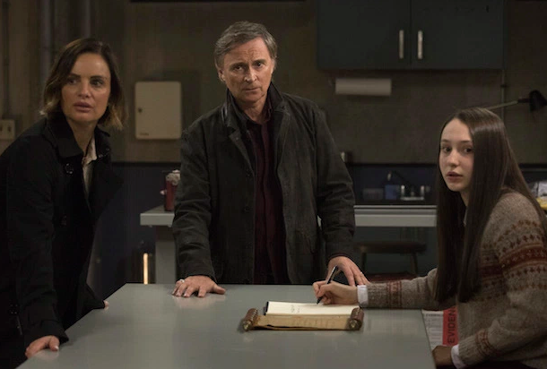 Gabrielle Anwar as Victoria Belfry, Robert Carlyle as Weaver & Yael Yurman as Anastasia Once Upon a Time Season 7 Episode 11 The Eighth Witch picture image
