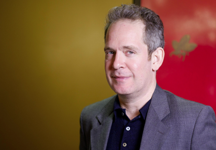 Tom Hollander picture image
