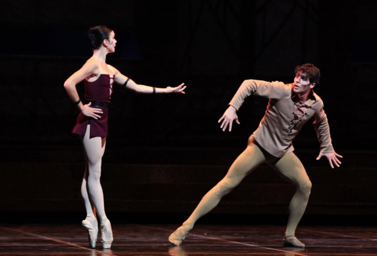 Natalia Osipova as Esmeralda & Roberto Bolle as Quasimodo, Roland Petit Notre Dame de Paris Ballet picture image